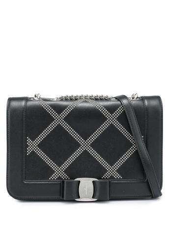 Ferragamo black Vara Rw Sling Bag (oc) FECD7ACDEF03ADGS_1