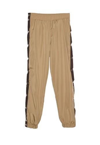 Trendyol beige Snap Button Detail Sweatpants 853E9AA5E4BEA4GS_1