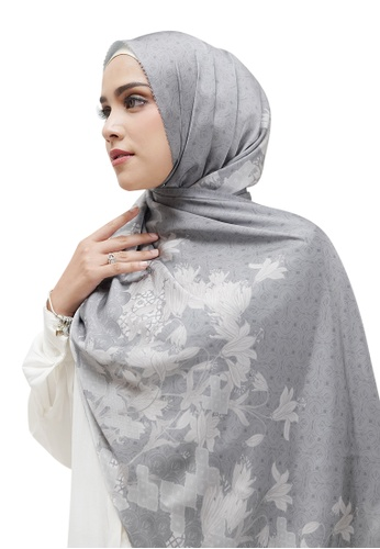 Buttonscarves grey Buttonscarves Maharani Satin Shawl Grey 11982AA70F5D84GS_1