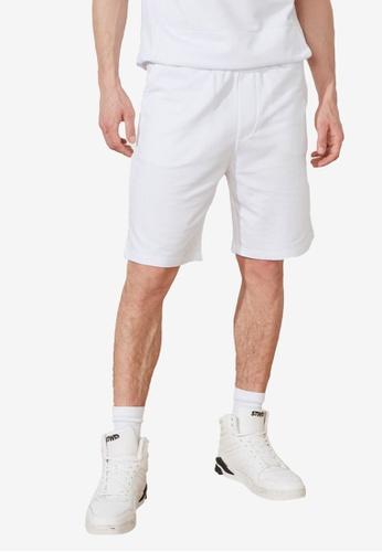 Trendyol white Regular Fit Shorts 3433EAA6E7C3DAGS_1