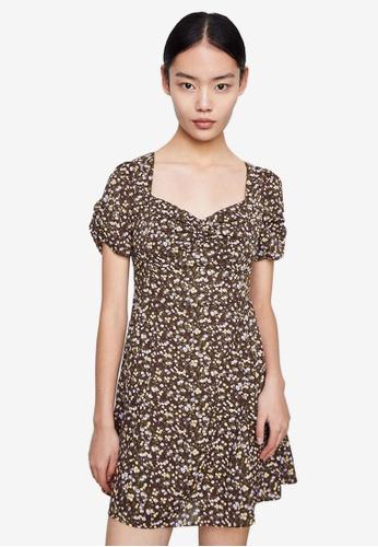 Urban Revivo 褐色 花卉短洋裝 6D02EAA91A01F4GS_1