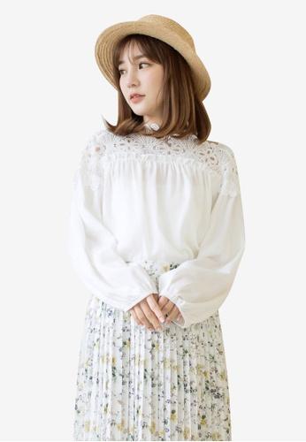 Tokichoi white Lace Hem Off Shoulder Top 39039AAE5C7419GS_1