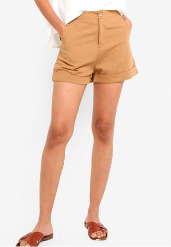 ZALORA BASICS brown Basic Rolled Hem Shorts C7A3CAA182914FGS_1