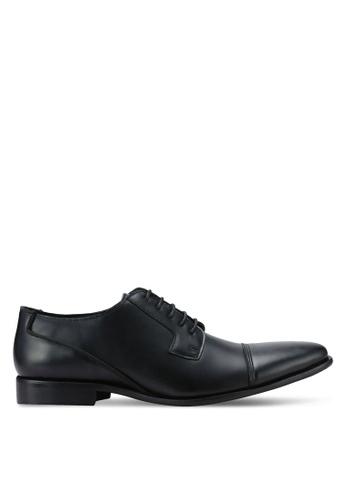 ZALORA black Essential Faux Leather Dress Shoes E500CAADD24FFFGS_1