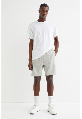 H&M black 2-pack Regular Fit sweatshorts 60E49AA0FE9712GS_1