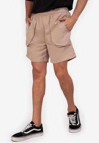 ZALORA BASICS beige Flap Pocket Shorts 69ADCAA9EF26A3GS_1