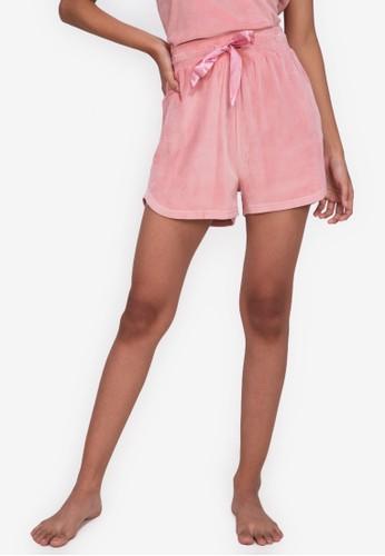 ZALORA BASICS pink Lounge Velour Shorts A5790AA7D0ADD8GS_1