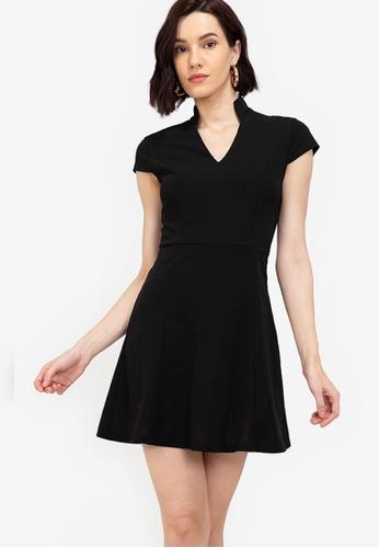 ZALORA WORK black Notch Neck Cap Sleeve Dress D4F3EAAE7E9605GS_1