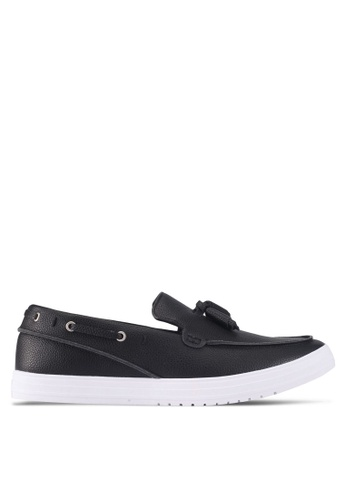 ZALORA black Faux Leather Slip On with Tassels DA7C6SHCD9C1D6GS_1