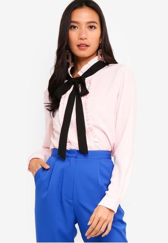 ZALORA 黑色 and 粉紅色 Pleated And Ruffled Top 5BDD3AA4C5B46CGS_1