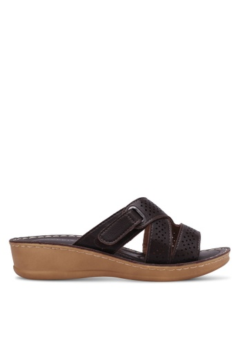 Noveni brown Perforated Wedge Sandals NO978SH0RX39MY_1
