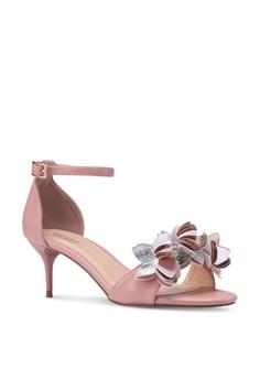 14% OFF Velvet Flower Embellished Ankle Strap Heels Rp 349.000 SEKARANG Rp  298.900 Ukuran 35 41 abe247c7f8
