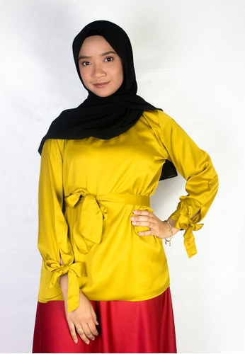 Zaryluq yellow and gold Ribbon Sleeve Top in Trinket Gold 3B5A3AAE7D1A0BGS_1