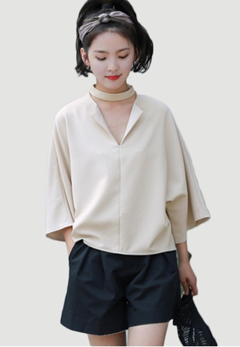 Shopsfashion beige Choker Loose Fit Blouse in Beige SH656AA0FSRASG_1