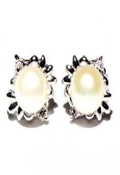 Anne Freshwater Pearl Earrings