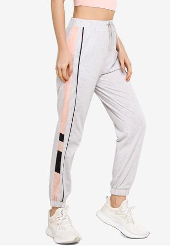 ZALORA ACTIVE multi Contrast Side Jogger Pants BBE6EAACE8C4C2GS_1