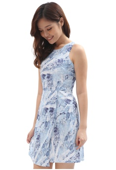92fe1b3b2be78 COVETZ Wedding blue Printed Curve Panel Dress - Blue CO611AA0SKYOMY_1
