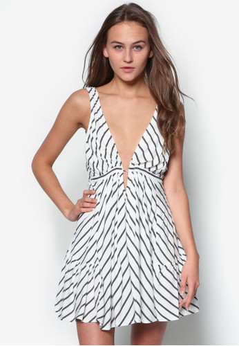 Tanya 低胸挖背條紋傘狀zalora 衣服評價洋裝, 服飾, 服飾