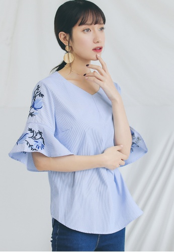 Shopsfashion blue Embroidery Flare Sleeve Blouse SH656AA0GHZGSG_1