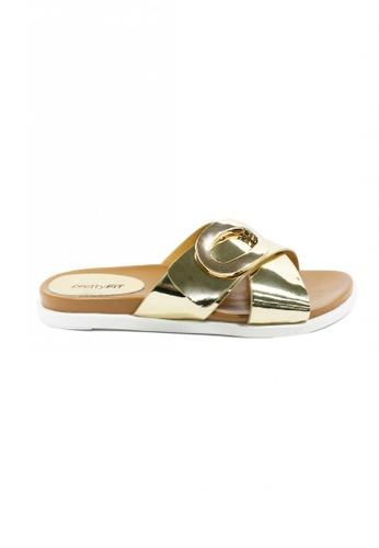prettyFIT beige and gold Champagne Metallic Slide Sandals With Buckle Hq-1741 PR787SH0FXKBSG_1