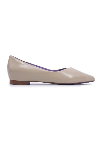 Flatss & Heelss by Rad Russel beige Elegant Pointy Flats - Beige CB9B5SHD485F4AGS_1