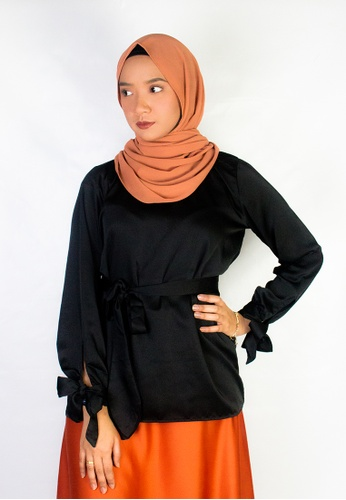 Zaryluq black Ribbon Sleeve Top in Pearl Black 842DAAA4E9F258GS_1