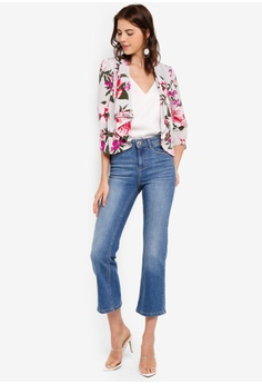 db3209c6abd4b 16% OFF Dorothy Perkins Midwash Crop Kick Flare Jeans S$ 69.90 NOW S$ 58.90  Sizes 10 12 14 16
