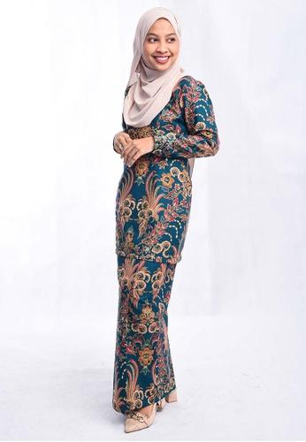 Batik Mini Kurung BHMK02-071 (GREEN) from batik house my in Green