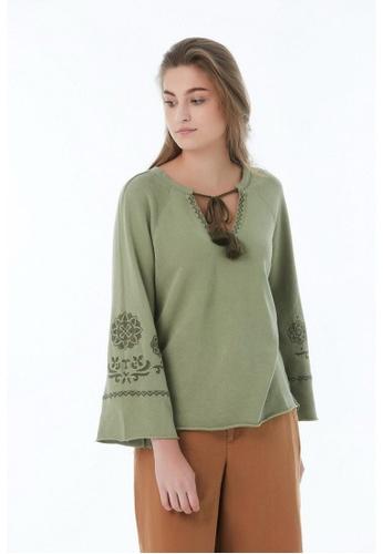 United Colors of Benetton 綠色 刺繡喇叭長袖上衣 06765AAFDAED9AGS_1