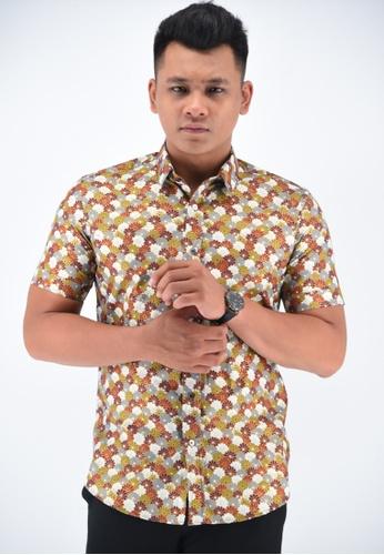 UA BOUTIQUE orange Short Sleeve Shirt Batik UASSB49-101 (Orange) AB52AAAE3C940DGS_1