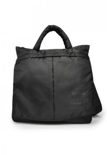 BLYTHÉ black Delta Tota Bag Pria 705C3AC57E9FB9GS_1