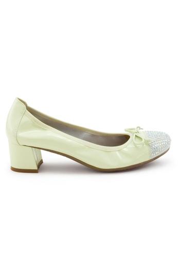 Shu Talk beige Elegant Patent Round Toe Studs Blocked Heel SH397SH0FPKFSG_1