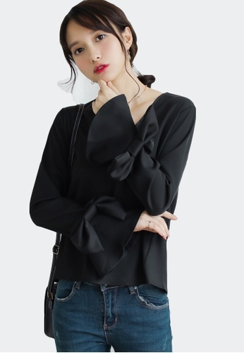 Shopsfashion black Bowed Sleeve Blouse in Black 82427AA08ED550GS_1