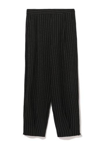 izzue black Pinstripe balloon pants 7E627AABE22C17GS_1