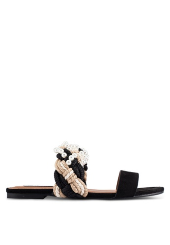 ZALORA 黑色 新年系列 編織珍珠涼鞋 558D9SHC53FB5BGS_1