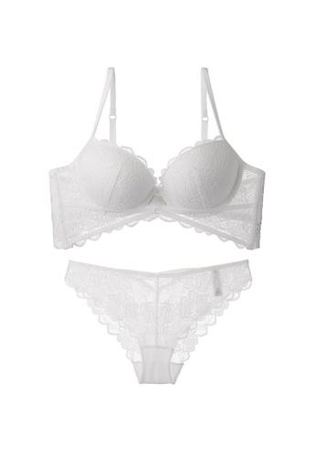 W.Excellence 白色 Premium White Lace Lingerie Set (Bra and Underwear) 145D5USA632747GS_1