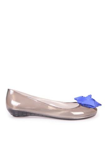 Sunnydaysweety 灰色 限量秒殺品 - 2017春夏新款立體花花透明防水平鞋鞋C05100 SU395SH0917RTW_1