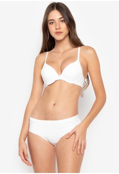 aa951d9e0c Triumph white Magic Wire Lite Non-Wired Deep V Push-Up Bra  304DEUSA8EC818GS 1