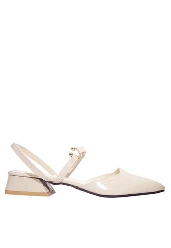 Twenty Eight Shoes white Metallic Ornament Low Heels VLR8 BB213SH3245BC8GS_1