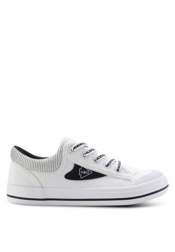 Twenty Eight Shoes black Fashion Canvas Sneakers TW281SH64ZXRMY_1