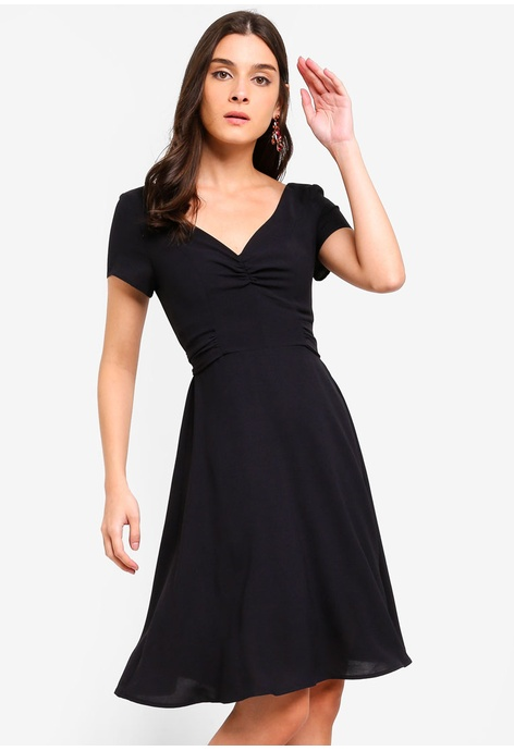 6821bae1fe9 Buy Dresses Collection Online   ZALORA Malaysia