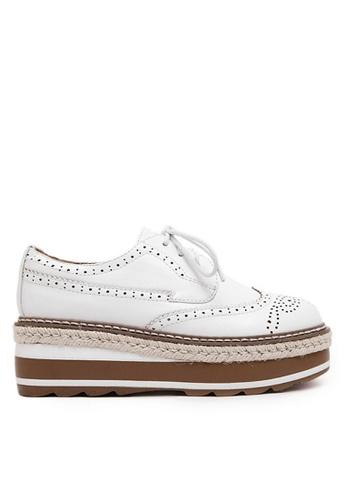 Twenty Eight Shoes 白色 厚底沖花牛津鞋 VF867 59003SH0B9512DGS_1