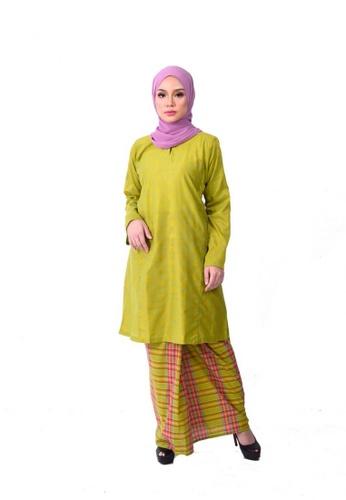 Asyura Kurung Riau from KAMDAR in Green and Multi