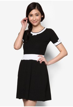 Dress With Contrast Rib Trim