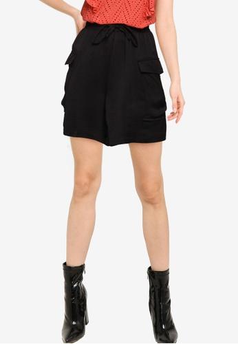 Vero Moda black Carlee Cargo Shorts 852E0AA9729BD8GS_1
