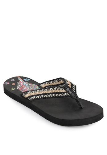 SAKROOTS Eudora Thong Flat
