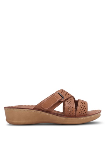 Noveni brown Perforated Wedge Sandals NO978SH0RX3CMY_1