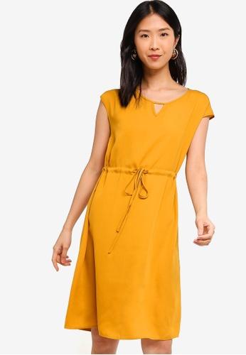 ZALORA BASICS yellow Basic Drawstring Waist Midi Dress B219FAA2A8E06FGS_1