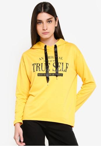 LC Waikiki 黃色 Letterpress Hooded Sweatshirt DC25AAAE555F08GS_1