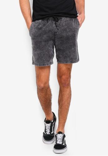 Penshoppe 黑色 牛仔短褲 8E403AA0C77FFDGS_1